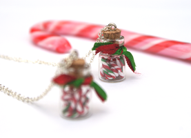 Christmas Giveaway Necklace by PeachesandPebbles