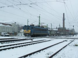 630 154 with freight train in Gyor by morpheus880223