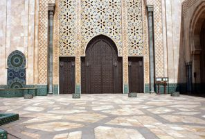 HASSAN DOOR II by louboumian