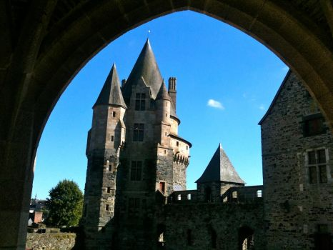 Castle of Fougeres by ZINDOM