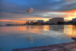 Sunset of Tan Jetty, Penang with a cute cloud by fighteden