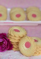 Vanilla Butter Sugar Cookies with Strawberry Icing by theresahelmer
