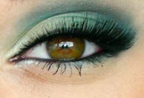 green makeup2 by brokenphoto