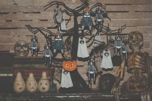 Halloween Kitty Ornaments by kilkennycat