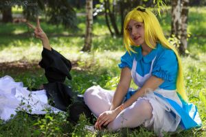 Alice in wonderland by Ariru-lunaticOo