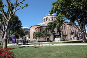 Istanbul - Hagia Eirene by puppeteerHH