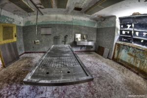 Autopsy room by pewter2k