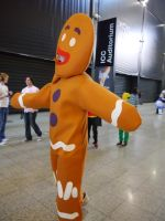 Gingerbread man Cannibalism MCM Oct '12 by KaniKaniza