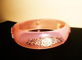 Pink bracelet by Laura-in-china