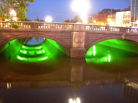 Night View of O'Connell Bridge by OhJolly