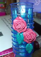 Red Rose Earrings by lenneheartly