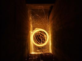 Lightpainting by AlopexXx