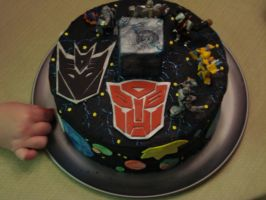 Transformer cake by MYBumbee
