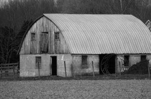 Old Barn by AppleBlossomGirl