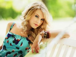 Taylor Swift 002 by vesperTiLo