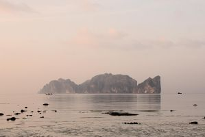 Phi Phi Lee by Osiris81