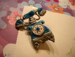 telephone brooch by AutomneFold