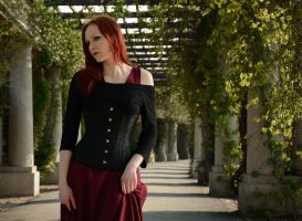 Redhair Beauty [2] by Luin-Tinuviel