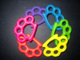 rainbow brass knuckles :D by toxiclysweet