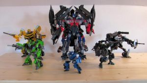 Autobots ready to defend freedom by NouNickName