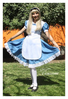 Alice's cosplay by vivianeee