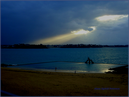 Heavenly Light to the Shore by Sighild