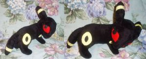 Umbreon Plushie Commission by StitchyGirl