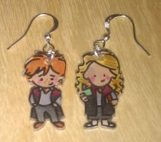Cute Ron and Hermione earrings by Lovelyruthie