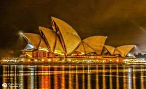 opera house HDR by monochromedrainbow