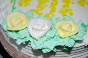 Cake Flowers by Wakeuphatesgirl