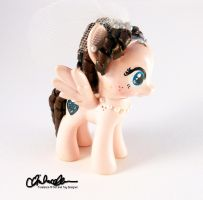 Mrs Lucky Bride Custom Pony by thatg33kgirl