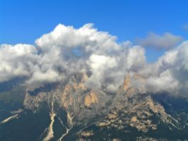 Clouds and mountains by edelweiss26