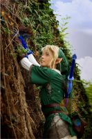Link Cosplay Climbing the Wall by Eressea-sama