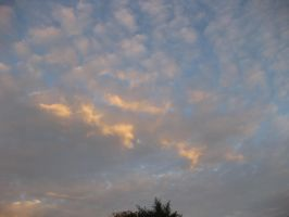 Clouds 011115 01 by acurmudgeon