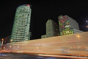 Berlin at night - passing trucks - by MT-Photografien
