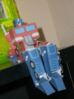 Optimus Prime Papercraft by trebory6