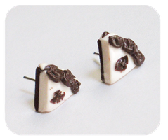 chocolate and cream cake earrings by BadgersBakery