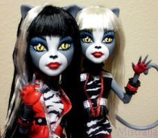 MH: Purrfect Twins by Mistralla