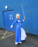Saber cosplay - Fate Stay Night by xflora-chanx