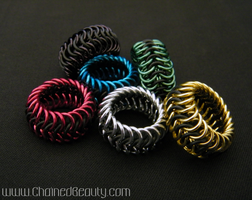 Stretchy Euro 6-in-1 Rings by ChainedBeauty