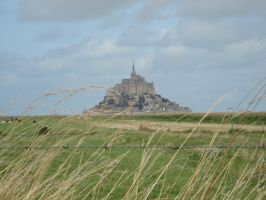 Mont saint Michel by Xiao-Ninie