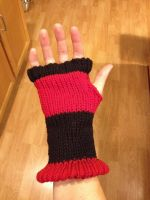 Fingerless hand warmers facing side relaxed. by Arachnoid