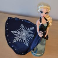 Relieved and Free - OOAK Elsa by hyx666