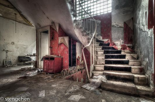 Red Stairs by stengchen