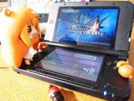 Umaru playing MH4u by UndercoverKadaj