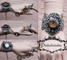 Winged claw cuff by Pinkabsinthe