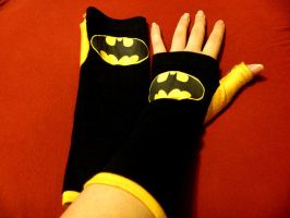 Bat-inspired Gloves by laughingdaredevil
