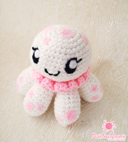 Clara Princess Jellyfish Amigurumi by RainbowReverie