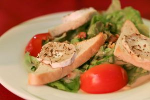 Goat cheese salad by patchow