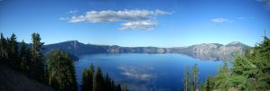Crater Lake Panorama by soyrwoo